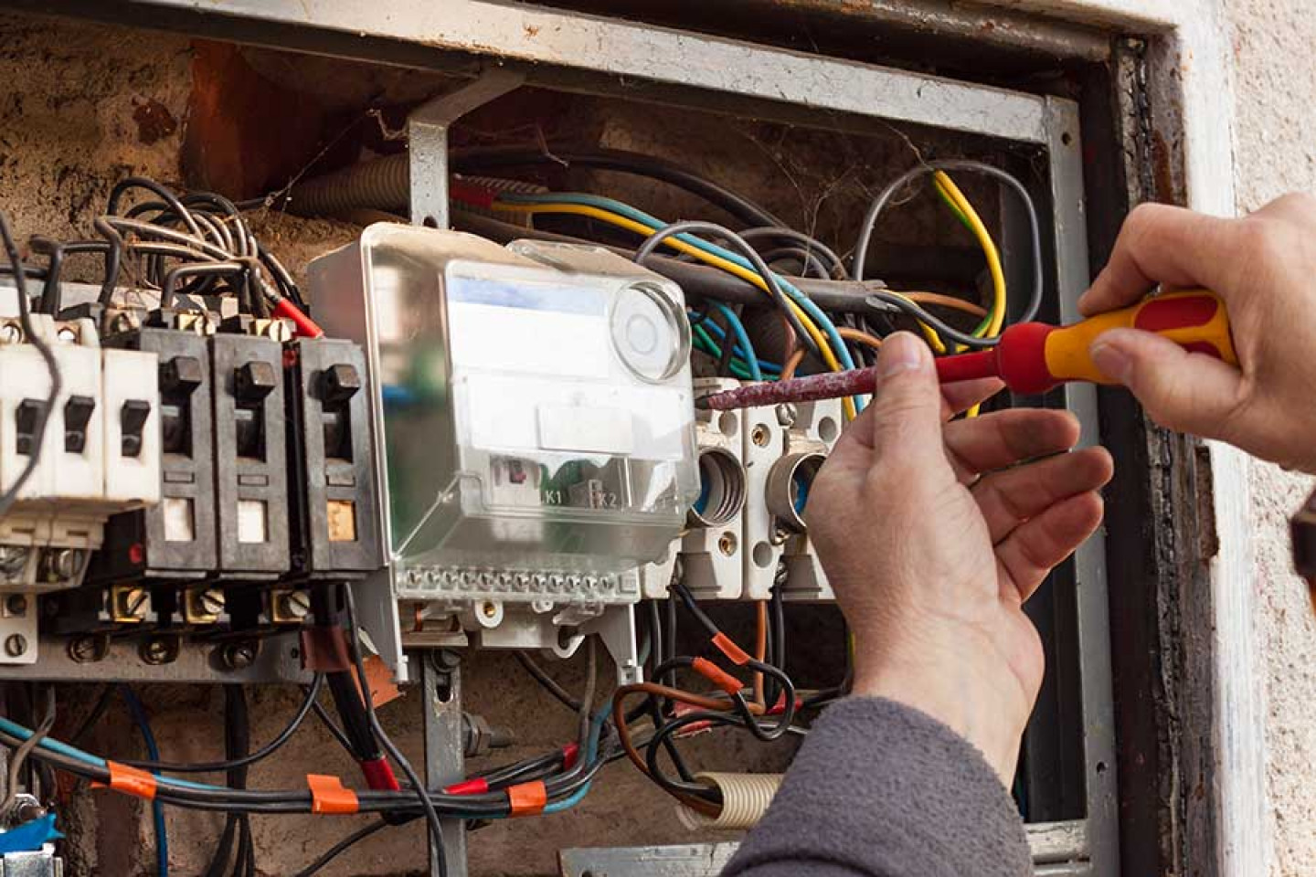 Comprehensive electrical repair service